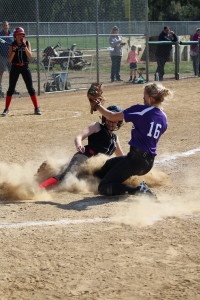 sb duffy tags out runner